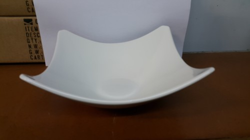 Longfine White Curved Square Bowl, 205 x 205 x 60mm, 400.133